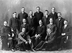 Evening Law Institute graduates its first class of 21 students, 1902.